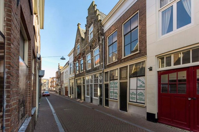 renovatie-Dordrecht-Lange-Breestraat-2-transformatie-projecten-VSAP-architects